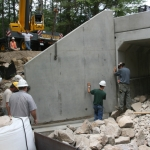 Installing the last Wingwall Section